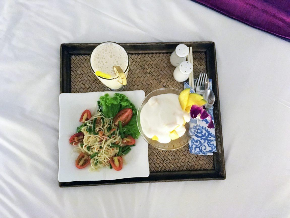 repas en chambre du Blue Lime Hotel à Phnom Pehn