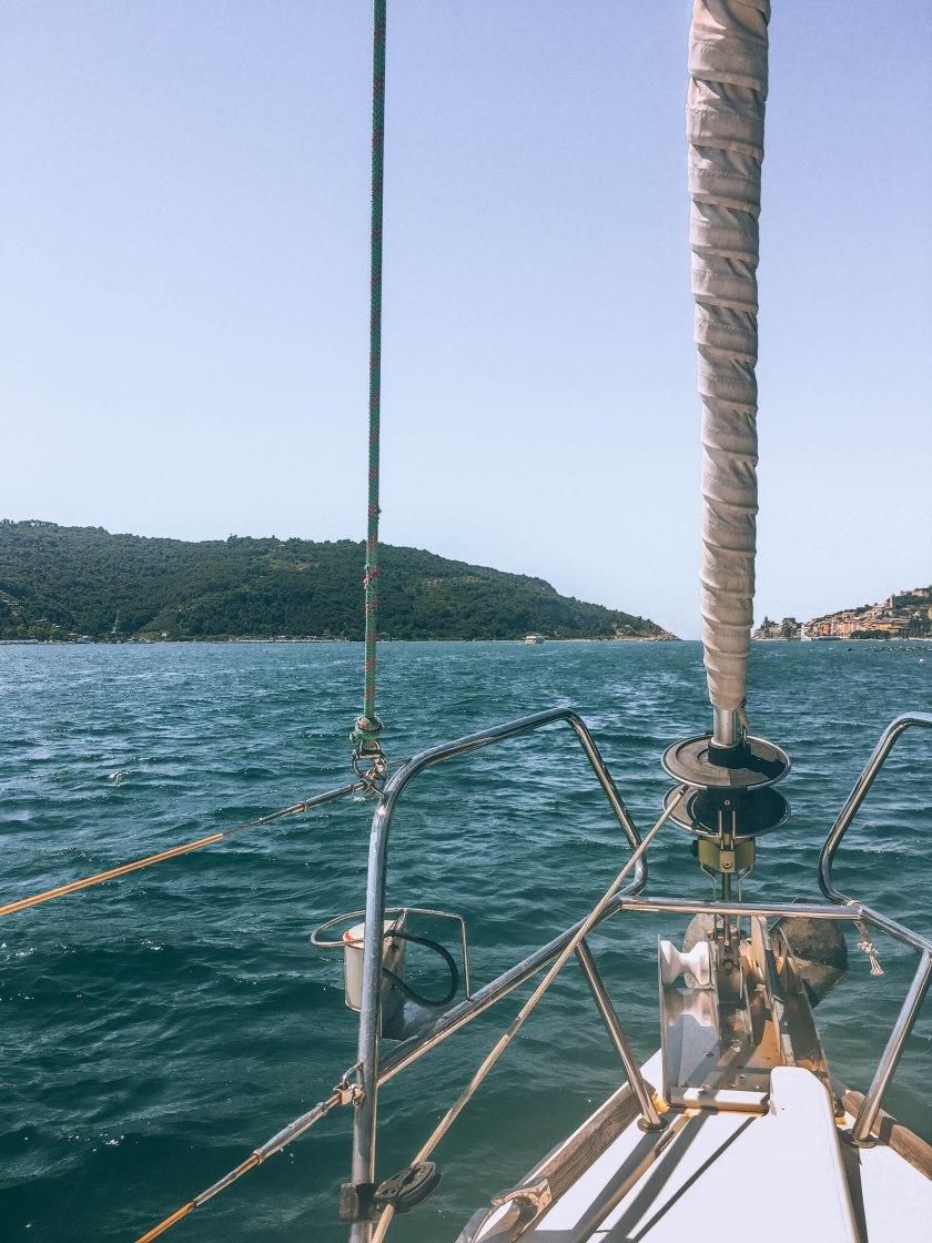 cinque terre bateau voile